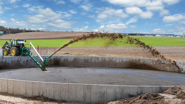 DairyFarming Articulated Super Pump 1 tcm11 14488