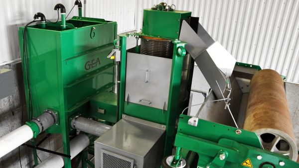 DairyFarming Vertical Dewaterer 1 tcm11 14637