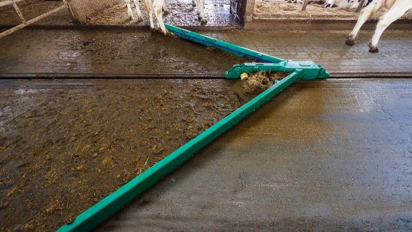 DairyFarming Tube Scraper Syst tcm11 14363