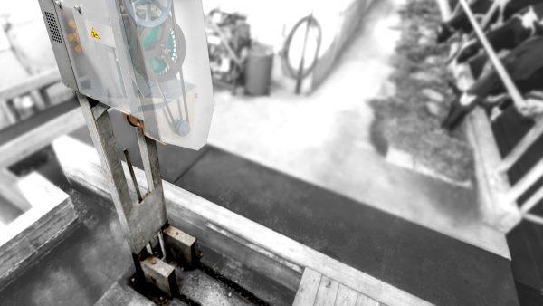 DairyFarming Vertical Drive tcm11 14345